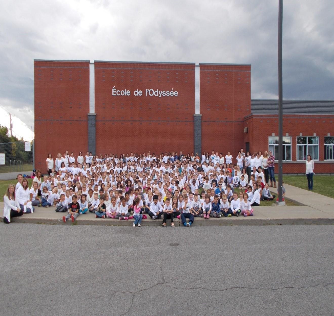 ActualitésLe projet Blanc pacifique rassemble des milliers d'élèves et de membres du personnel de la CSDGS!