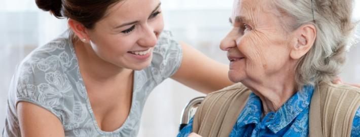 Le Service aux entreprises de la CSDGS offre une formation d'Assistance à la personne en établissement de santé et à domicile.