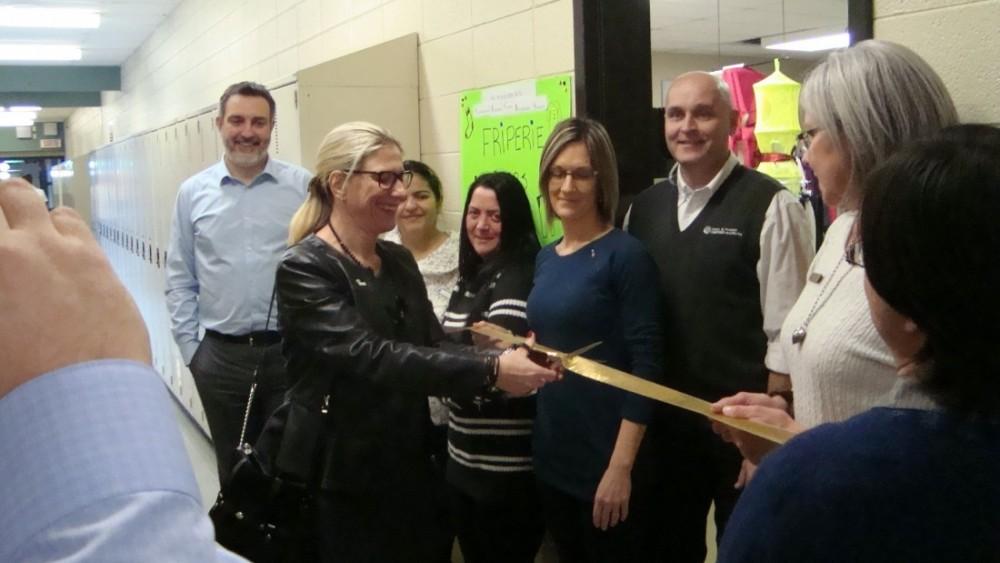 Coup de cœur au CFCRS : Ouverture et inauguration d'une friperie pour le bénéfice des élèves!