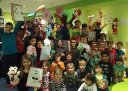 Les enfants du Centre de la petite enfance (CPE) La Maison des Bambins à La Prairie ont reçu la visite des élèves de 4e année de l'école primaire Notre-Dame-Saint-Joseph pour une heure de conte bien spéciale!