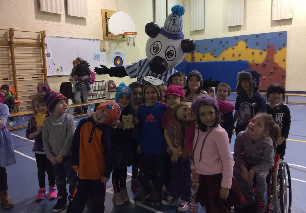 Une nouvelle mascotte à l'école primaire Gérin-Lajoie à Châteauguay!