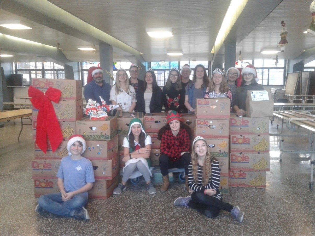 Les élèves de l'école secondaire Louis-Cyr ont participé généreusement à la guignolée au profit de la Société Saint-Vincent-de-Paul de Napierville.