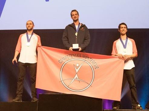 Olympiades FP QC Médaille OR Charpenterie Marc-Antoine Séguin 00