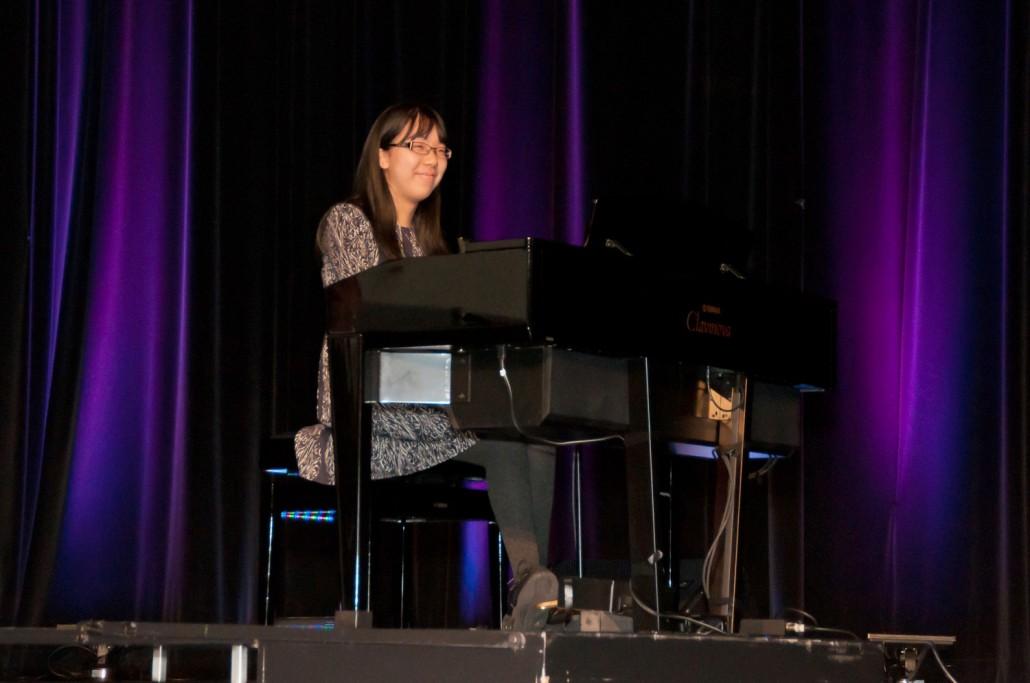 Photo Bourses aux élèves 17-18_Stephanie Chan prestation piano 02