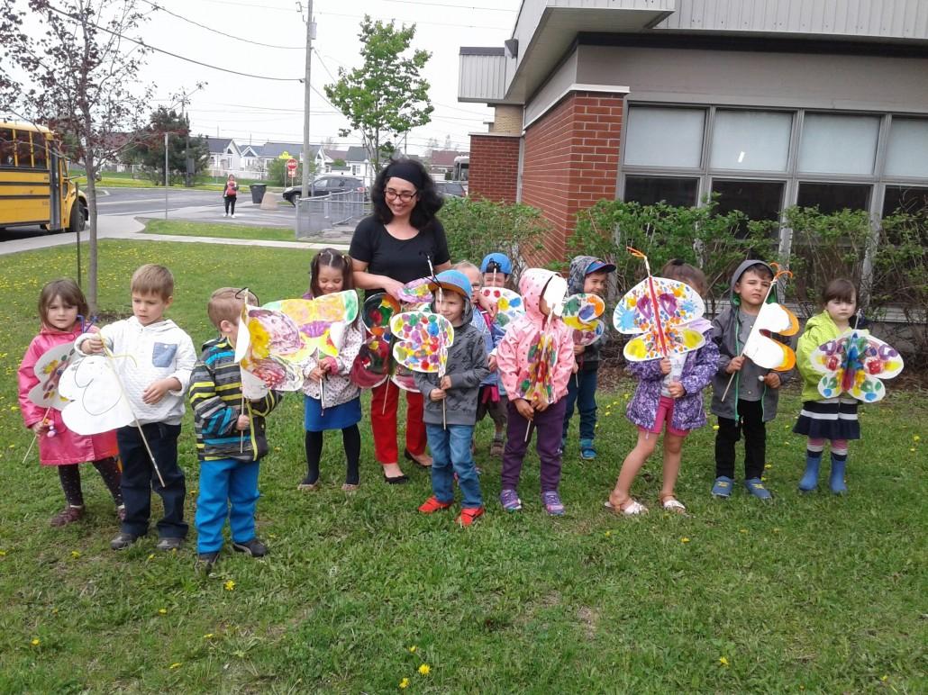 L'envol des papillons vers la maternelle à l'école Saint-Jean.